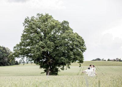 Brautpaar mit Eiche